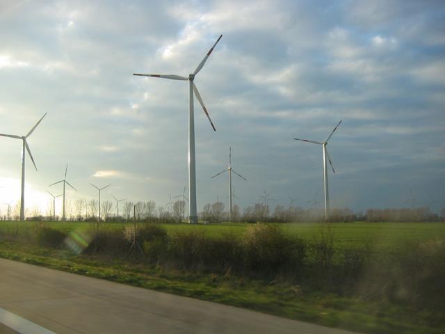 06.04.2007  Windräder