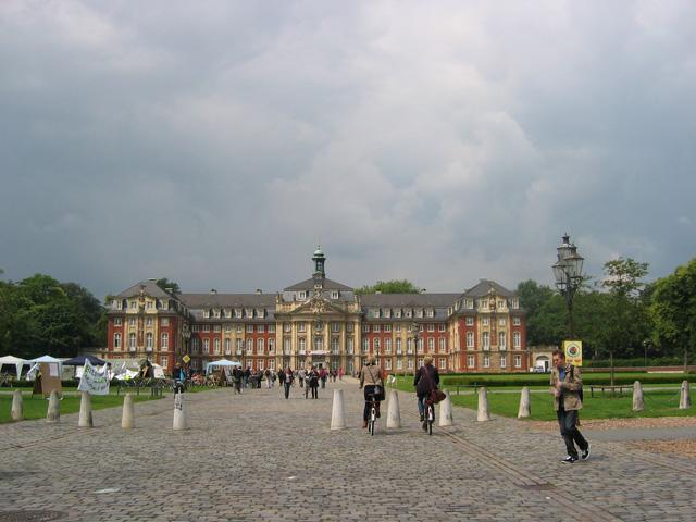 16.06.2009  Schloss