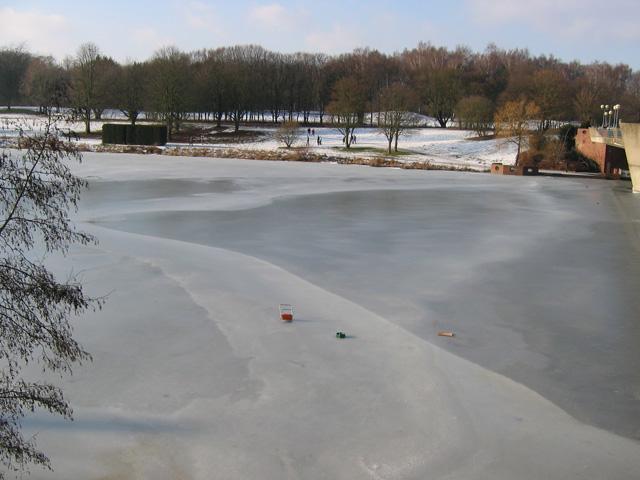 03.02.2010  Aasee-Möbel