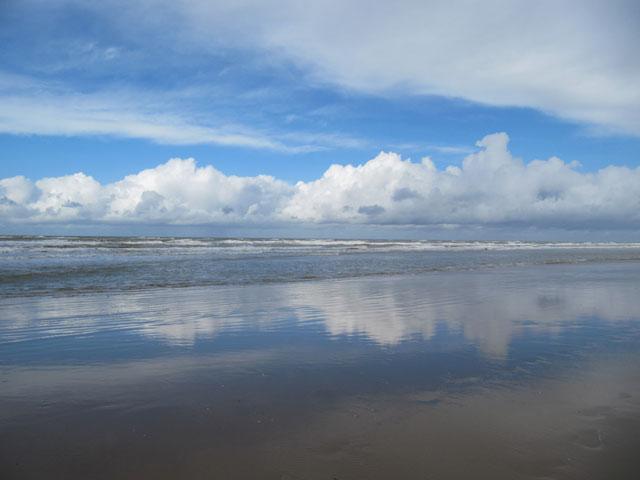 22.03.2014  Wolken und Meer
