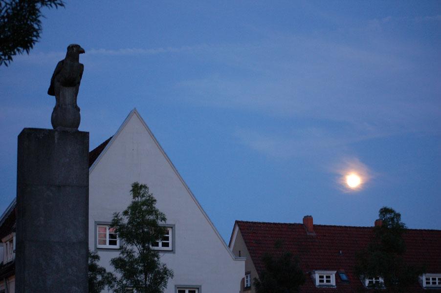 28.08.2015  Mond überm Grünen Grund