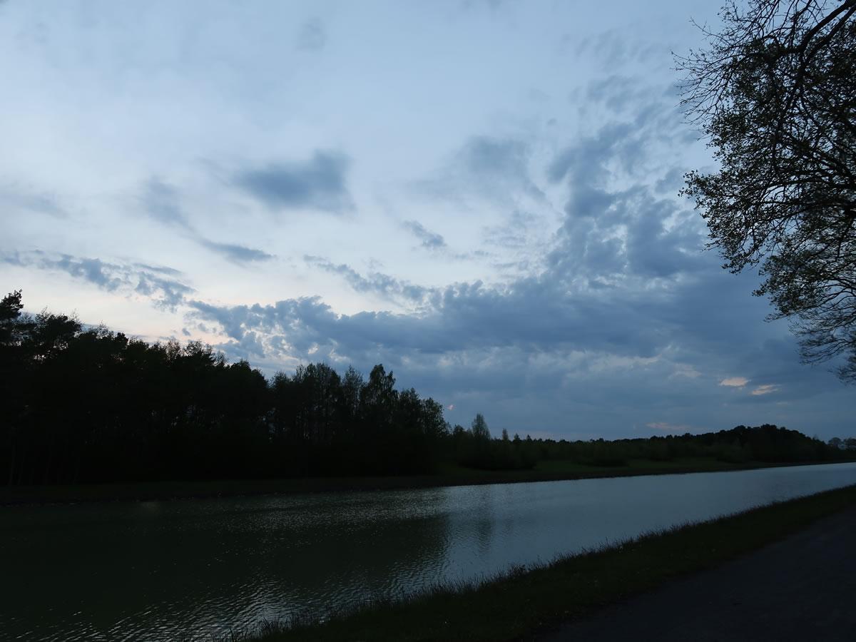09.05.2021  Am Kanal